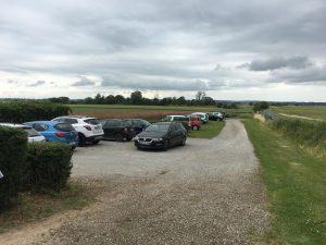 Ein voller Parkplatz